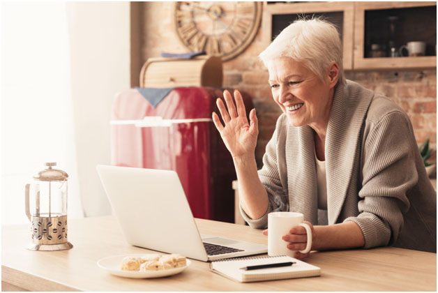 Memory Care Blog Post Engaging Activities Seniors Will Love by Aravilla Clearwater